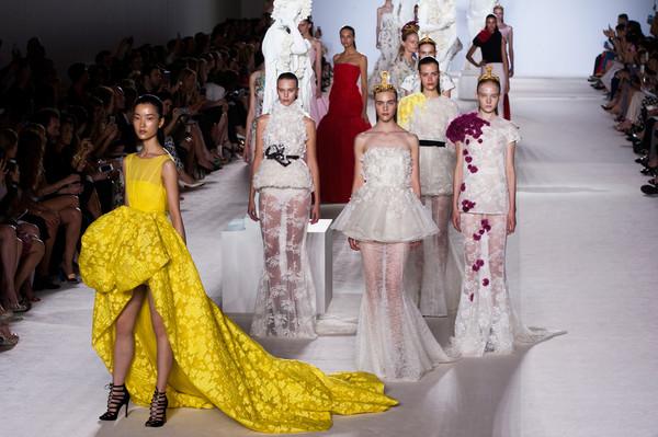 I do style giambattista valli i do ghana for Haute couture today